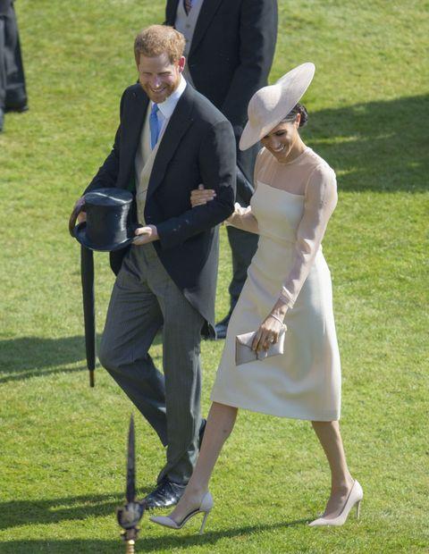 Ceremony, Wedding, Event, Formal wear, Lawn, Dress, Grass, Suit, Gesture, Walking,