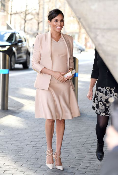 Clothing, Street fashion, White, Photograph, Fashion, Fashion model, Shoulder, Snapshot, Dress, Coat,