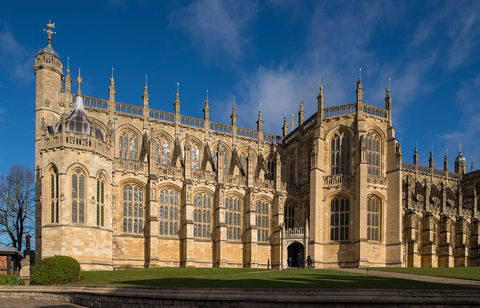 Landmark, Medieval architecture, Architecture, Building, Gothic architecture, Sky, Cathedral, Classical architecture, Palace, Place of worship,