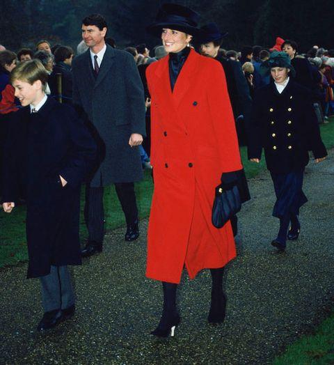 Fashion, Coat, Uniform, Outerwear, Overcoat, Event, Suit, Formal wear,