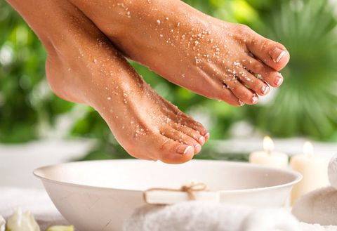 Leg, Foot, Hand, Water, Nail, Toe, Sole, Finger, Human leg, Food,