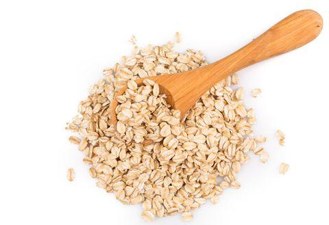 Food, Oat bran, Breakfast cereal, Oat, Cuisine, Cereal, Spoon, Ingredient, Rolled oats, Groat,
