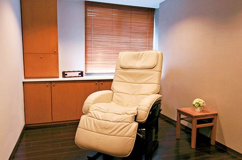 Room, Furniture, Property, Chair, Interior design, Building, Comfort, House, Floor, Recliner,