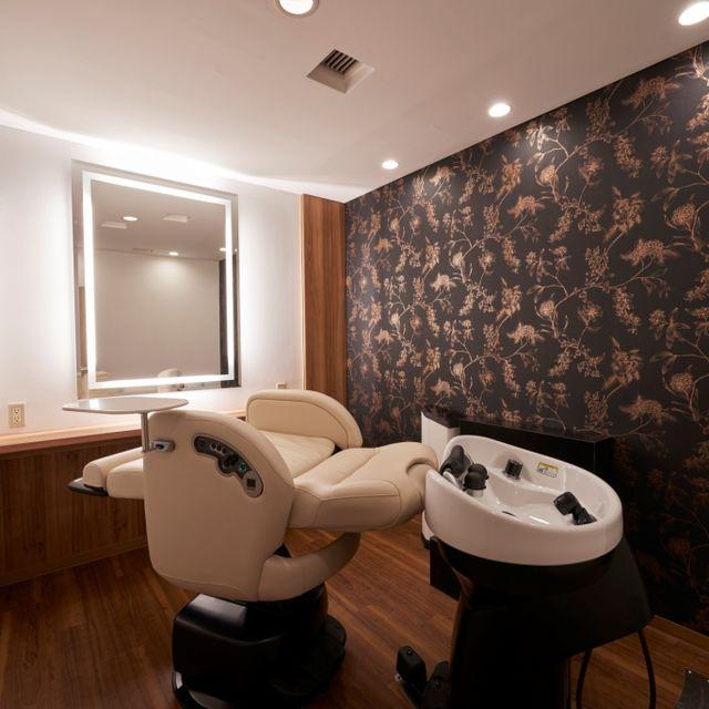 Room, Property, Interior design, Bathroom, Building, Plumbing fixture, Bidet, Architecture, Real estate, Toilet,