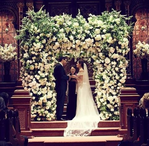 Flower Arranging, Floristry, Floral design, Flower, Ceremony, Marriage, Architecture, Bouquet, Aisle, Wedding dress,