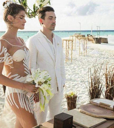 Photograph, Clothing, Wedding dress, Dress, Gown, Bridal clothing, Vacation, Honeymoon, Summer, Bride,