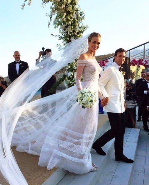 Bride, Wedding dress, Gown, Veil, Dress, Bridal clothing, Bridal veil, Marriage, Ceremony, Wedding,