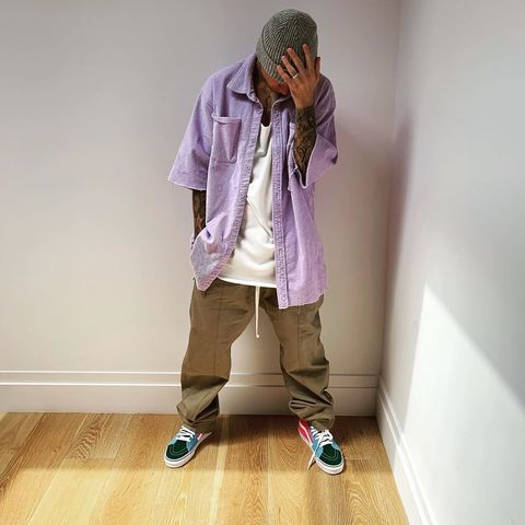 White, Purple, Pink, Standing, Fashion, Shoulder, Joint, Outerwear, Footwear, Leg,