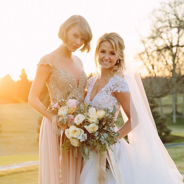 Bride, Gown, Wedding dress, Dress, Photograph, Clothing, Bridal clothing, Bridal party dress, Shoulder, Beauty,