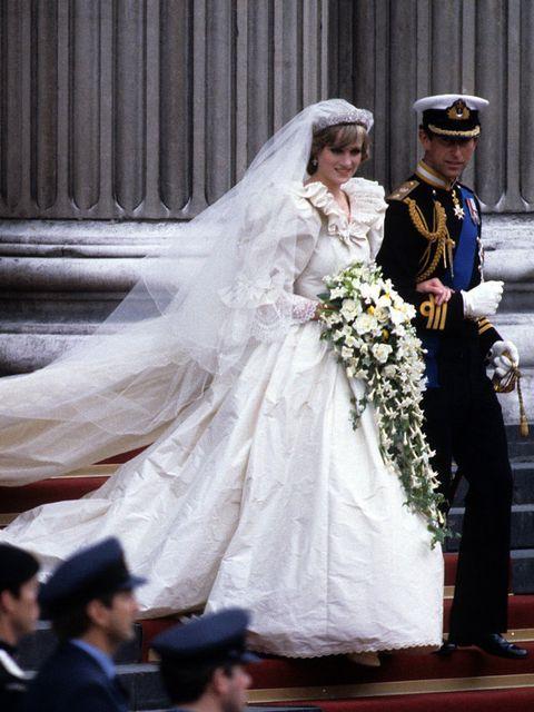 Wedding dress, Bride, Veil, White, Gown, Bridal clothing, Dress, Ceremony, Bridal veil, Wedding,