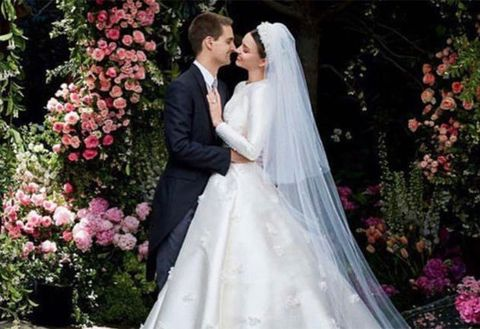 Gown, Wedding dress, Bride, Dress, Veil, Bridal veil, Bridal accessory, Bridal clothing, Photograph, Clothing,