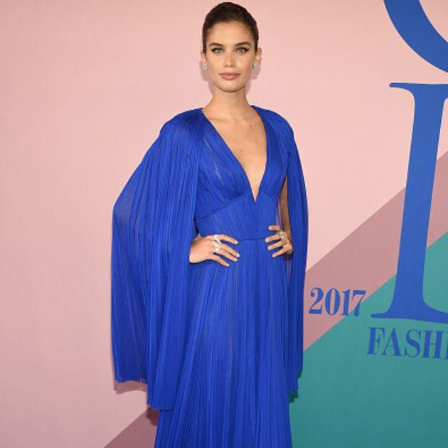 Cobalt blue, Clothing, Dress, Blue, Shoulder, Carpet, Electric blue, Formal wear, Red carpet, Fashion,