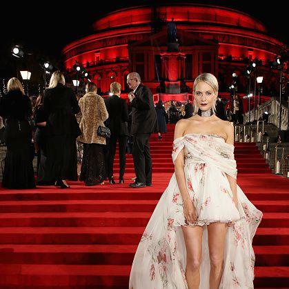 Red carpet, Carpet, Dress, Gown, Clothing, Red, Fashion, Flooring, Fashion model, Shoulder,