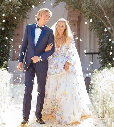 Wedding dress, Clothing, Photograph, Gown, Dress, Bridal clothing, Bride, Formal wear, Suit, Fashion,