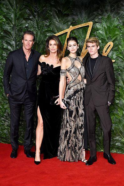 Red carpet, Carpet, Event, Fashion, Premiere, Flooring, Dress, Formal wear, Little black dress, Suit,
