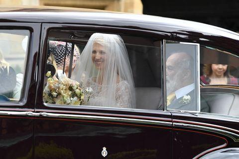Motor vehicle, Classic, Vehicle, Car, Bride, Luxury vehicle, Vintage car, Automotive design, Wedding, Ceremony,