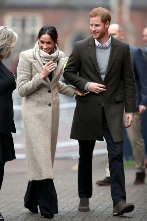 Clothing, Street fashion, Fashion, Suit, Coat, Overcoat, Snapshot, Standing, Outerwear, Human,