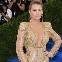Red carpet, Carpet, Hairstyle, Dress, Fashion, Flooring, Shoulder, Blond, Fashion model, Gown,