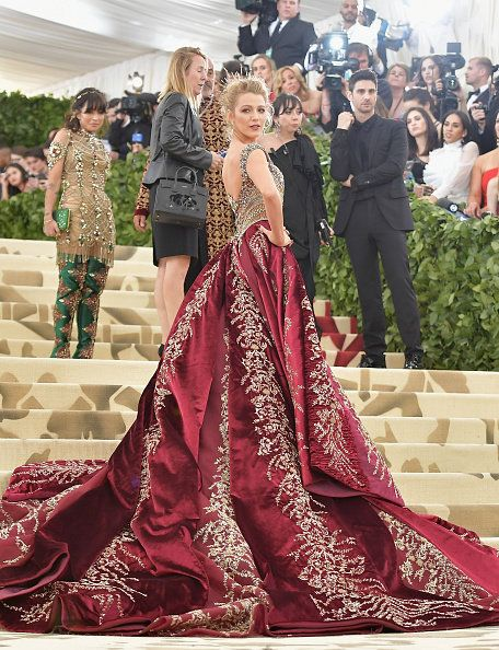 Gown, Dress, Clothing, Fashion, Shoulder, Haute couture, Pink, Maroon, Formal wear, A-line,