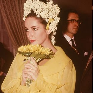 史上最も個性的なウエディング・ドレス part2