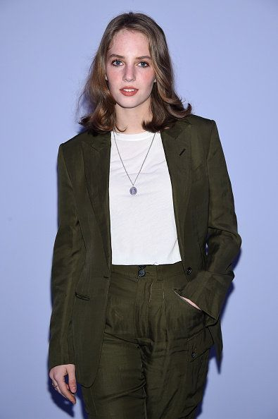 Clothing, Fashion, Khaki, Outerwear, Fashion model, Fashion design, Jacket, Long hair, Fashion show, Blazer,