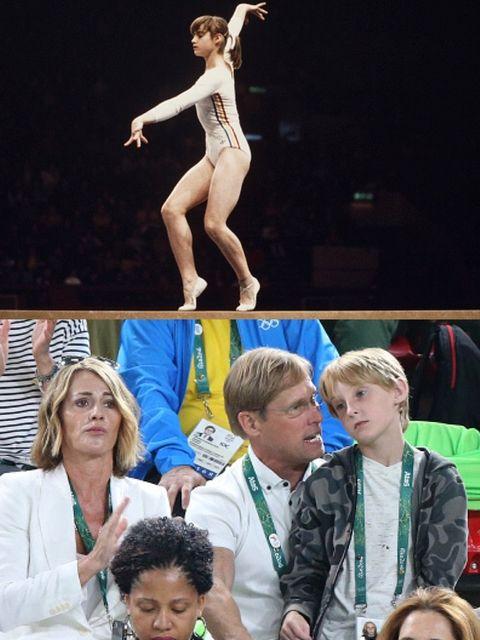 Performance, Performance art, Fun, Human, Leg, Human body, Event, Performing arts, Dancer, Competition,