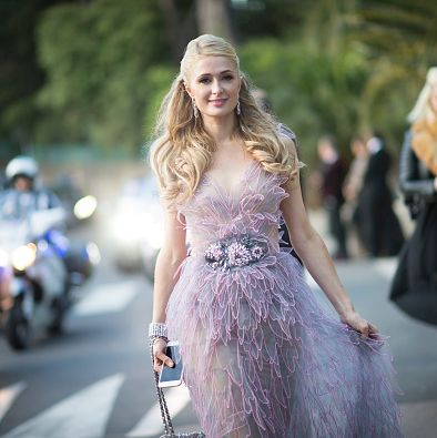 Fashion model, Dress, Clothing, Fashion, Haute couture, Street fashion, Gown, Shoulder, Blond, Beauty,
