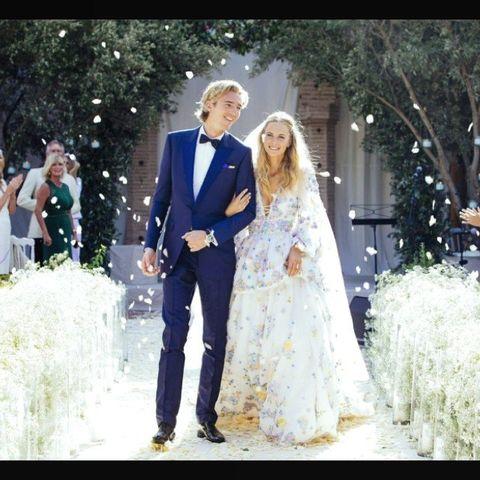 Gown, Wedding dress, Bride, Dress, Photograph, Bridal clothing, Clothing, Formal wear, Wedding, Ceremony,