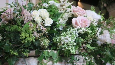 Plant, Petal, Flower, Pink, Flowering plant, Bouquet, Shrub, Rose family, Floristry, Rose order,