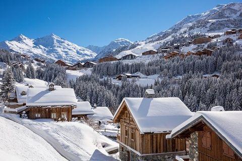 Snow, Winter, Mountain, Mountainous landforms, Mountain range, Mountain village, Alps, Sky, Hill station, Roof,