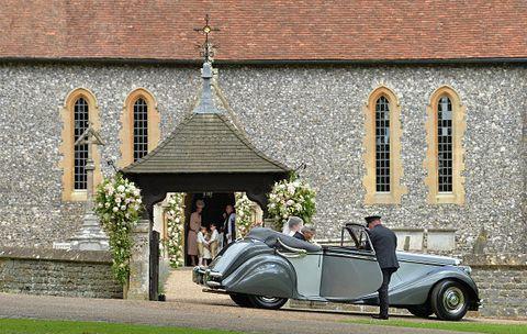 Wheel, Tire, Automotive design, Vehicle, Land vehicle, Classic car, Photograph, Car, Antique car, Vehicle door,