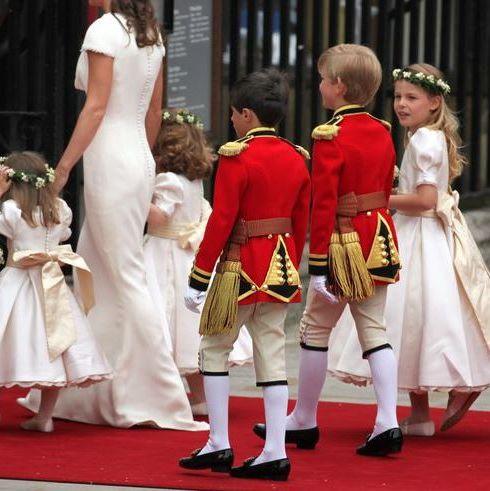Event, Child, Tradition, Performance, Carpet, Costume, Ceremony, Flooring,