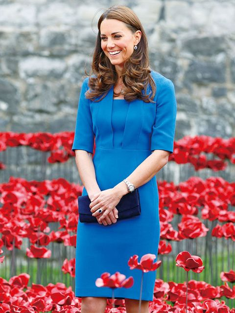 Blue, Dress, Red, Style, Petal, Street fashion, Electric blue, Pattern, Day dress, Cobalt blue,