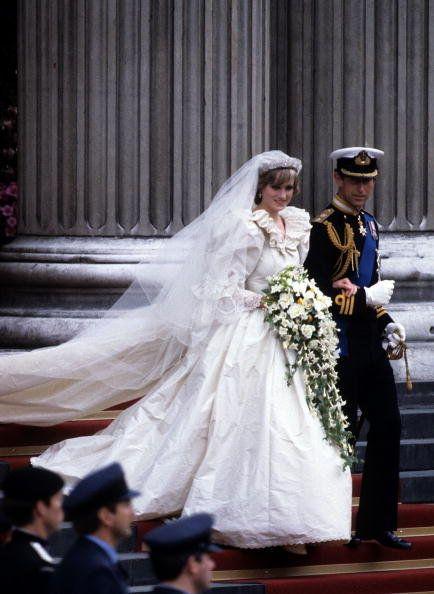 Bride, Wedding dress, Veil, Gown, Bridal clothing, Bridal veil, Dress, Ceremony, Wedding, Bridal accessory,