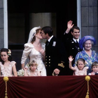 Event, Ceremony, Wedding, Tradition, Fun, Dress, Photography, Bride, Performance, Wedding dress,