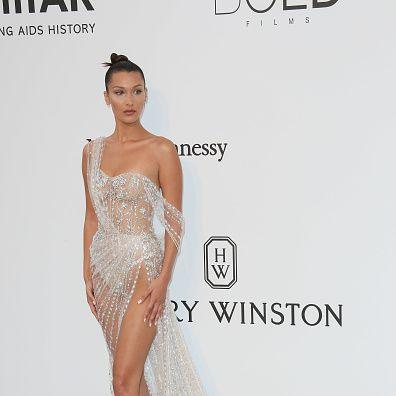 Fashion model, Clothing, Dress, Shoulder, Gown, Bridal party dress, Fashion, Haute couture, Cocktail dress, Joint,