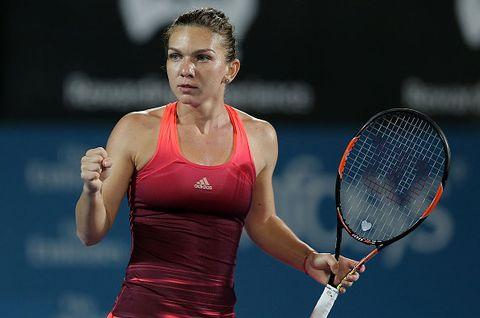Tennis, Sports, Tennis player, Tennis racket, Racket, Racquet sport, Tennis Equipment, Tennis racket accessory, Soft tennis, Strings,