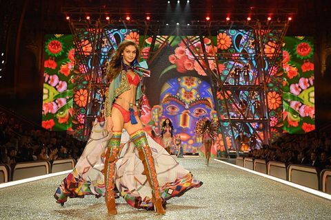 Fashion, Event, Performance, Performance art, Fashion show, Tree, Tradition, Folk dance, Fashion design, Dress,