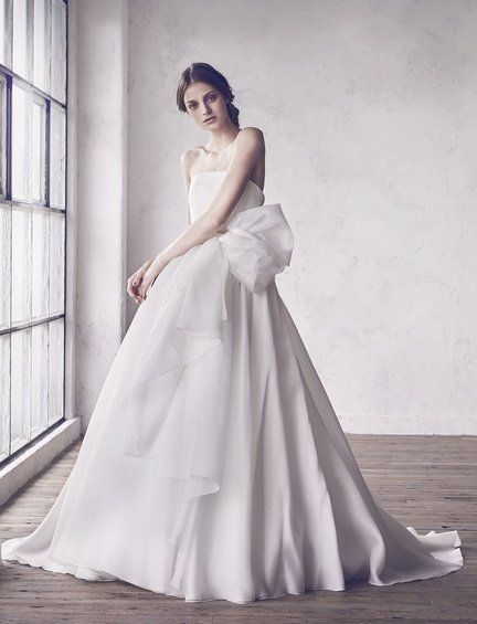 Gown, Wedding dress, Dress, Clothing, Fashion model, Bride, Photograph, Bridal party dress, Bridal clothing, Bridal accessory,