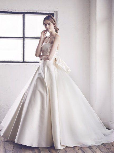 Gown, Wedding dress, Clothing, Dress, Bride, Fashion model, Bridal party dress, Bridal clothing, Photograph, Shoulder,
