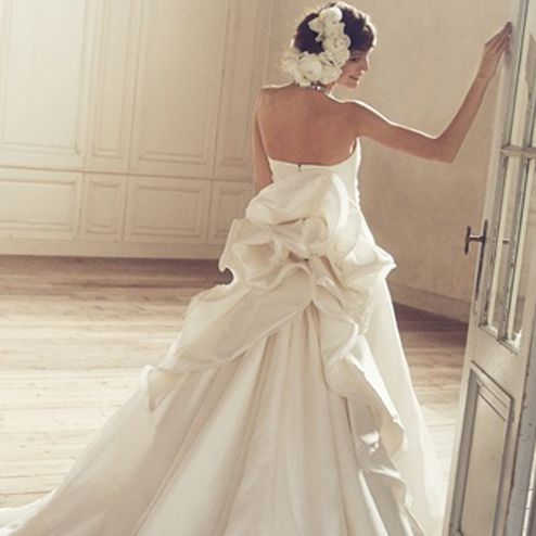 Clothing, Shoulder, Dress, Textile, Photograph, Bridal clothing, Gown, Formal wear, Wedding dress, Fashion,