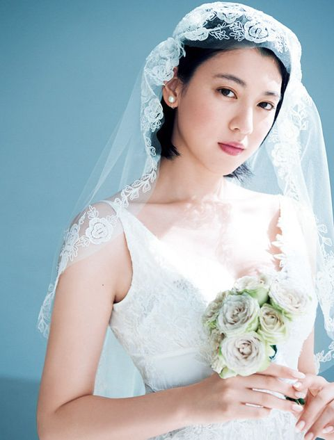 Headpiece, Veil, Bride, Bridal veil, Bridal accessory, White, Photograph, Skin, Wedding dress, Hair accessory,