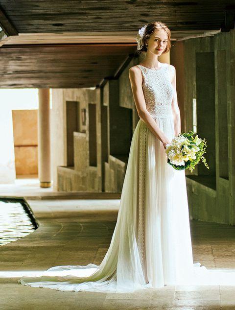Gown, Wedding dress, Dress, Bride, Clothing, Photograph, Shoulder, Bridal clothing, Bridal party dress, White,