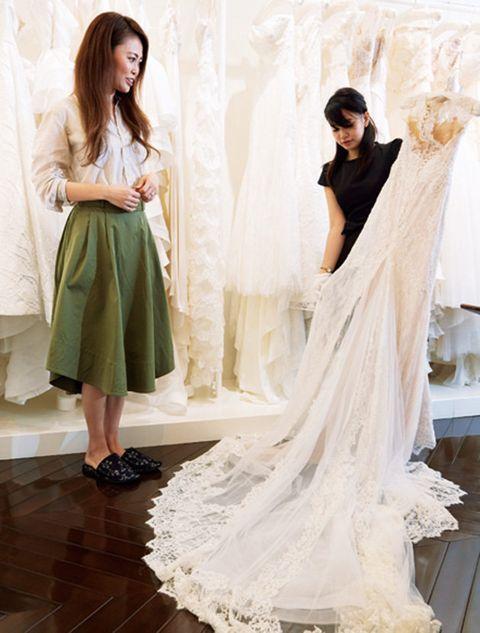 Clothing, Dress, Gown, Shoulder, Fashion model, Wedding dress, Fashion, A-line, Neck, Formal wear,