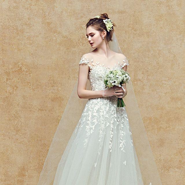 Clothing, Dress, Bridal clothing, Shoulder, Textile, Wedding dress, Photograph, Gown, Petal, Bride,