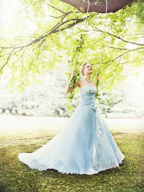 Clothing, Green, Dress, Shoulder, Textile, Photograph, Wedding dress, Gown, Bridal clothing, Formal wear,