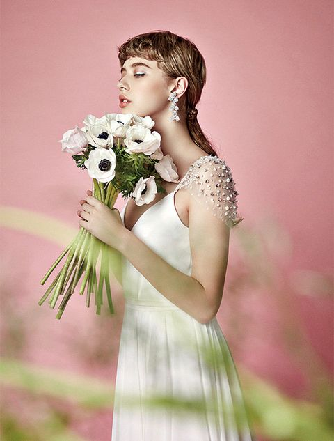 Hair, White, Shoulder, Dress, Skin, Beauty, Hairstyle, Bouquet, Flower, Gown,