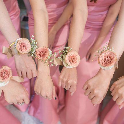 Pink, Nail, Peach, Hand, Finger, Yellow, Dress, Bouquet, Flower, Wrist,