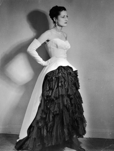 Gown, Dress, White, Clothing, Black, Photograph, Shoulder, Fashion model, Fashion, Beauty,