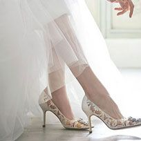 Footwear, White, Leg, Shoe, Human leg, High heels, Ankle, Thigh, Foot, Pointe shoe,